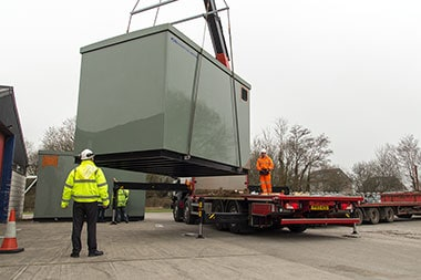 Portable railway substations offloading